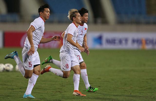 HLV Bert van Marwijk của UAE cũng nhận diện Văn Hậu là cầu thủ nguy hiểm trong đội hình Việt Nam
