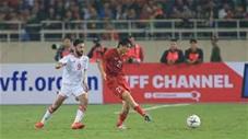Tuấn Anh thi đấu miễn chê trước UAE