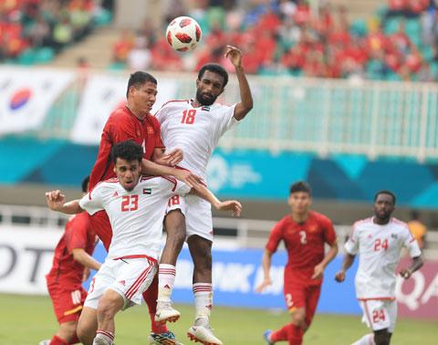 Chống bóng bổng không phải là điểm mạnh của UAE