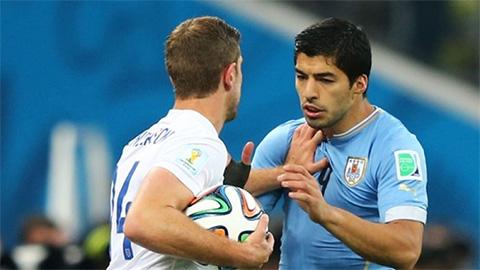 Vì sao Henderson muốn giết Suarez?