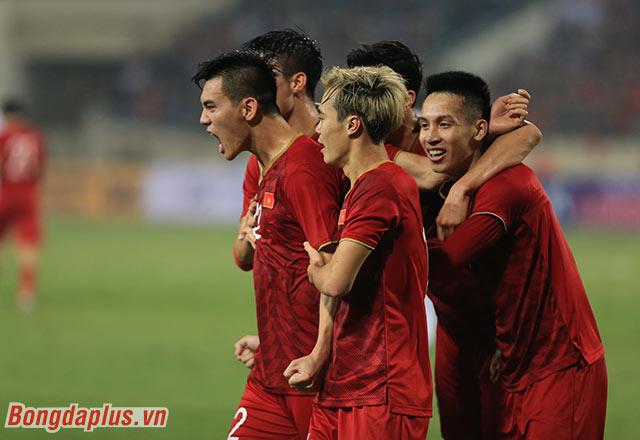 Đây cũng là bàn thắng ngoài vòng cấm đầu tiên của Việt Nam ở vòng loại World Cup lần này