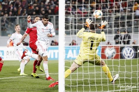 Không khó để Morata (số 7) và đồng đội dội mưa bàn thắng vào lưới Malta