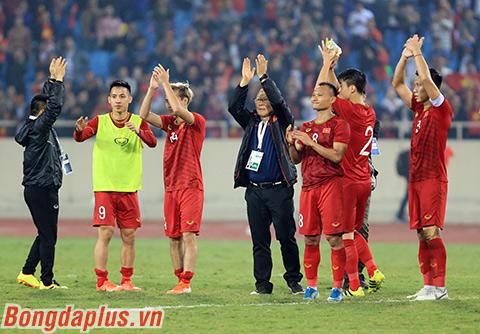 HLV Park Hang Seo giúp Việt Nam có một chiến thắng quan trọng - Ảnh: Đức Cường