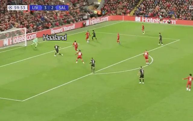 Gomez và Alexander-Arnold để sổng Haaland trong tình huống tiền đạo này ghi bàn