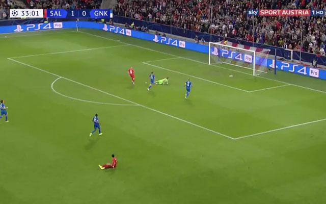 Haaland đánh bại thủ môn đối phương