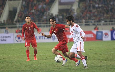 Tuấn Anh đã có màn trình diễn cực kỳ đẳng cấp trước UAE - Ảnh: Phan Tùng