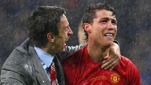 Đồng đội nào từng làm cho Ronaldo 'ức phát khóc'?