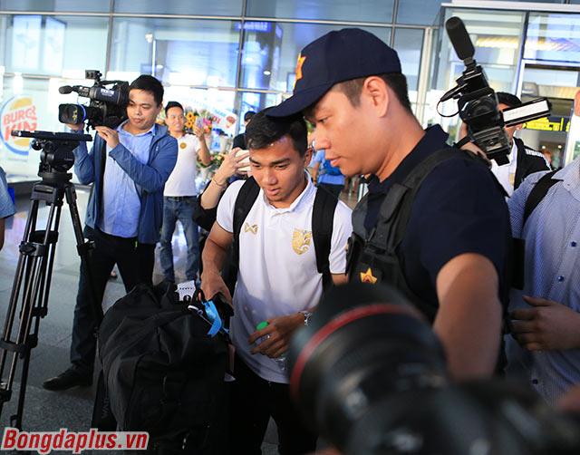 Tuy nhiên bàn thắng của Chanathip không thể giúp Thái Lan tránh khỏi một thất bại trước Malaysia