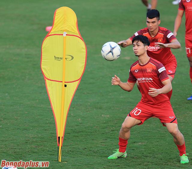 Cầu thủ mang áo số 10 đang cố gắng tìm được sự tự tin khi thi đấu