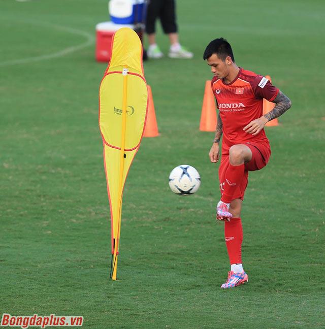 Trung vệ Hữu Tuấn hy vọng sẽ được trao cơ hội trước Thái Lan