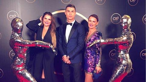 Chị gái Ronaldo trút giận lên Sarri
