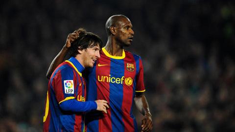 Sếp lớn Barca khẳng định đang đàm phán hợp đồng với Messi