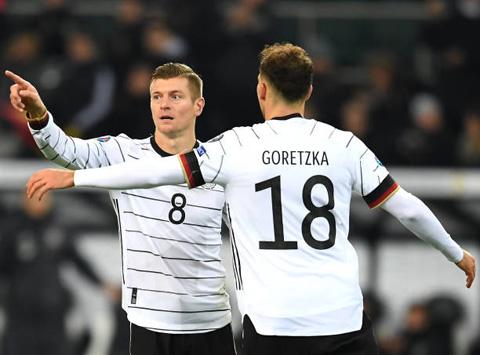 Kroos và Goretzka phối hợp ăn ý để mang về bàn thắng thứ 2