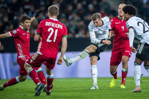 Kroos hoàn tất cú đúp ấn định chiến thắng
