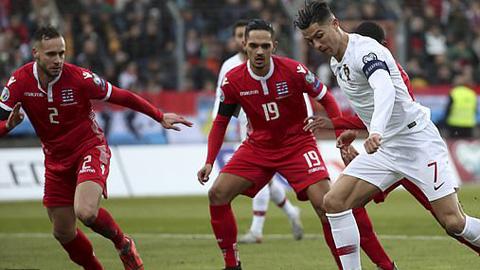 Ronaldo ấn định chiến thắng cho Bồ Đào Nha