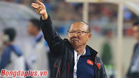 Đáp chiêu Nishino, thầy Park cấm phóng viên Thái Lan tác nghiệp