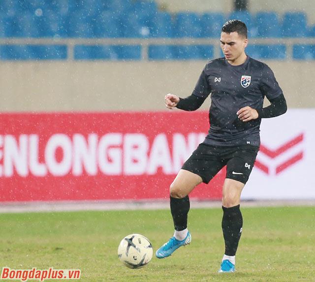 Tristan Do, cầu thủ gốc Việt vẫn được HLV Nishino tin tưởng điền vào danh sách đăng ký thi đấu