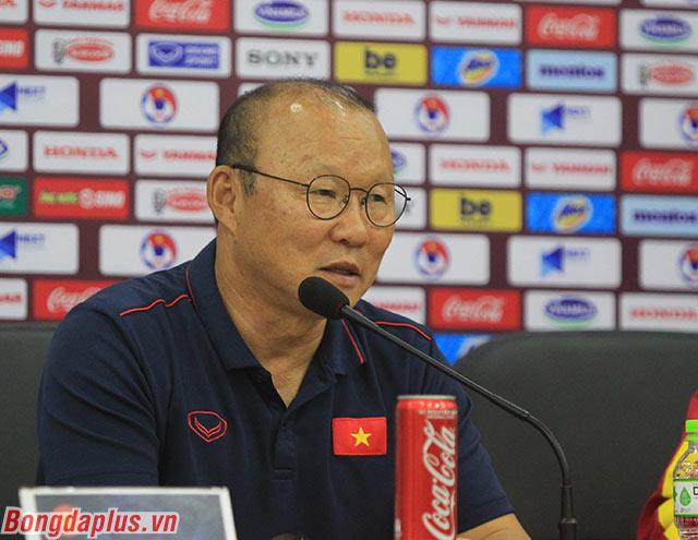 HLV Park tiết lộ La Liga đang mời Quang Hải