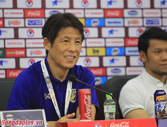 HLV Nishino giữ bí mật trước trận gặp Việt Nam - Ảnh: Phan Tùng