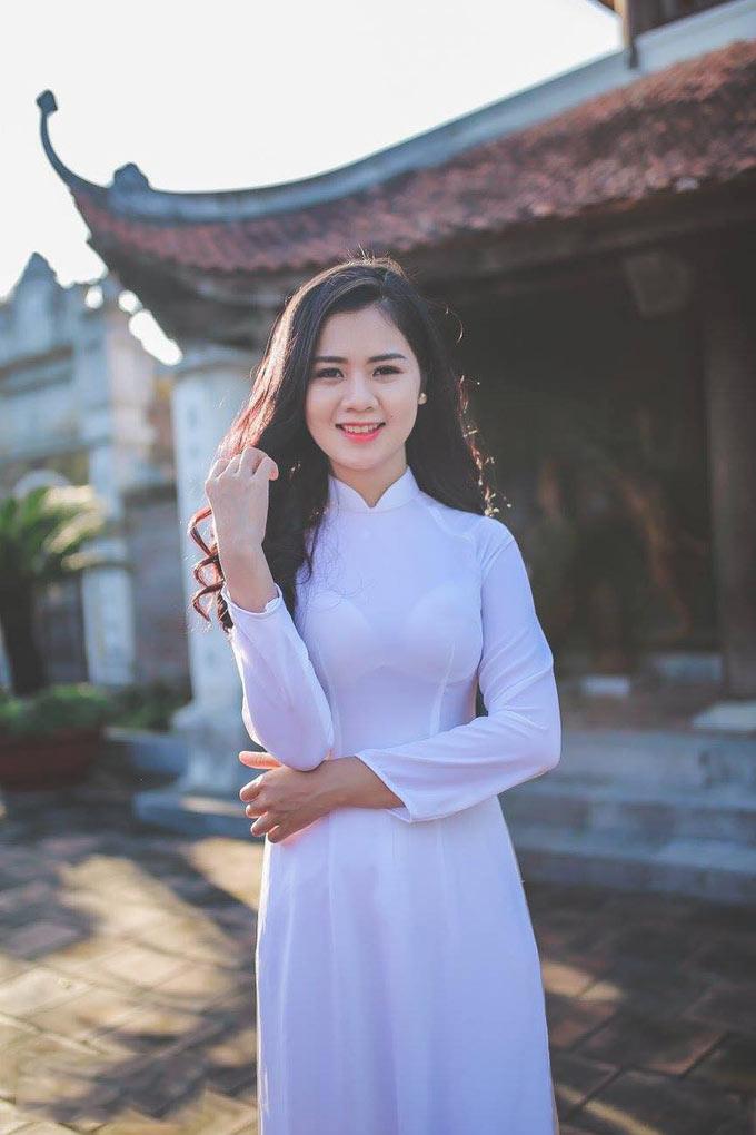 Dương Thị Thuỳ Phương – vợ trung vệ Quế Ngọc Hải