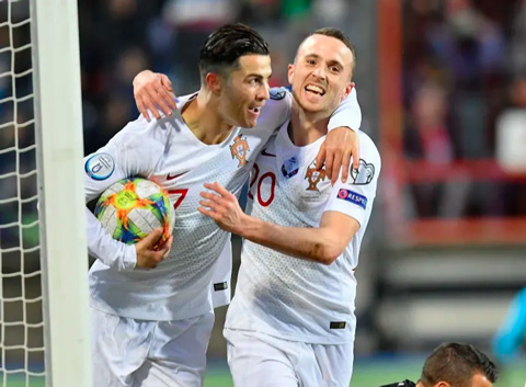 Ronaldo vừa giúp ĐT Bồ Đào Nha giành vé dự VCK EURO 2020