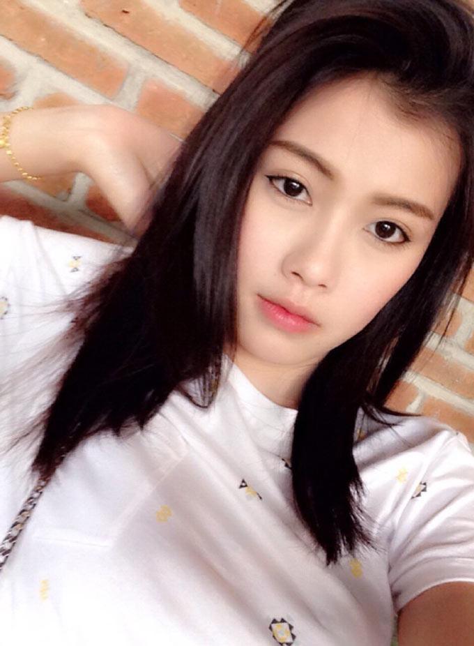 Chatkamon Muayman - vợ hậu vệ Theerathon Bunmathan