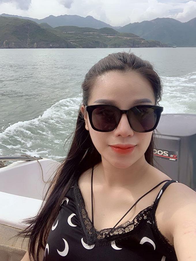Nguyễn Khánh Linh - vợ trung vệ Bùi Tiến Dũng