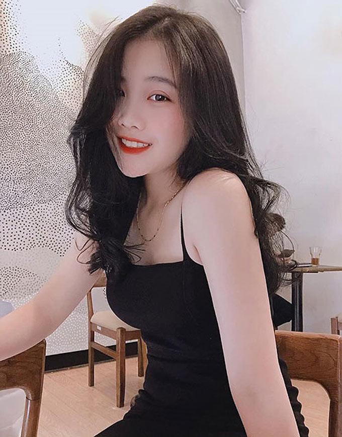 Nguyễn Hoàng Anh - bạn gái hậu vệ Đoàn Văn Hậu