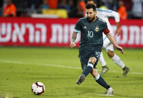 Như thường lệ, Messi lại là cứu tinh của Argentina