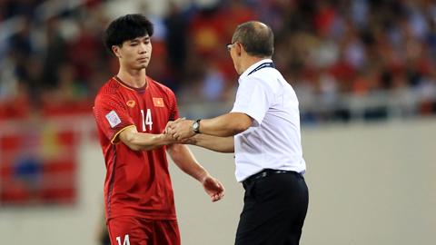 Công Phượng luôn nhận được niềm tin từ HLV Park Hang Seo - Ảnh: Minh Tuấn