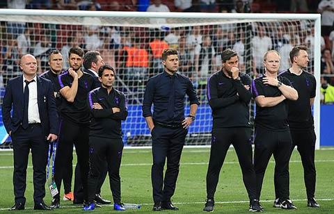 Pochettino và dàn trợ lý đã bị Tottenham sa thải