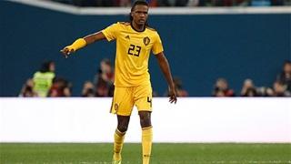 ĐT Bỉ 'méo mặt' vì cầu thủ mắc sai sót dở khóc dở cười