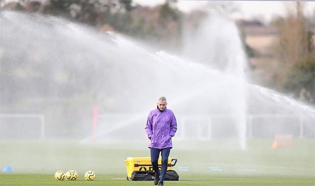 Theo hợp đồng thì ông sẽ làm việc cho Tottenham trong 3 năm rưỡi.