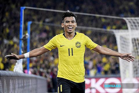 """Malaysia vươn lên nhì bảng nhờ chiến lược """"núp gió"""""""