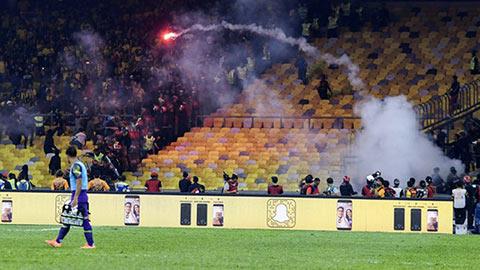 Để CĐV đánh lộn, Malaysia có bị cấm sân ở trận gặp Việt Nam?