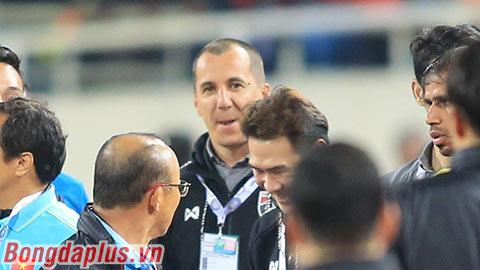 Trợ lý Thái Lan khiêu khích ông Park Hang Seo là ai?