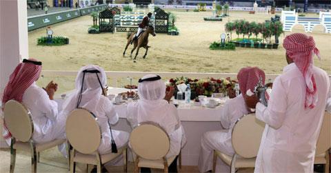 Giới nhà giàu Ả-rập xem ngựa biểu diễn tại Al Shaqab