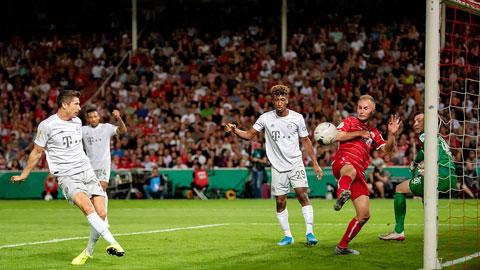 Lewandowski và đồng đội bất bại cả 8 trận gần nhất đối đầu Duesseldorf