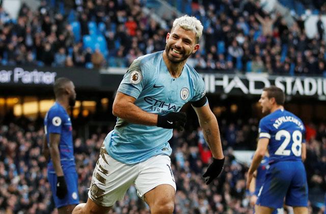 Cầu thủ Man City ăn mừng chiến thắng