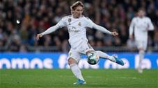 Luka Modric vô-lê ghi bàn siêu đẹp