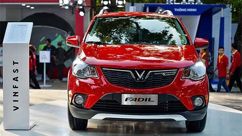 """VinFast Fadil tung """"chiêu"""" giảm giá mới đối đầu Hyundai Grand i10, Kia Morning"""