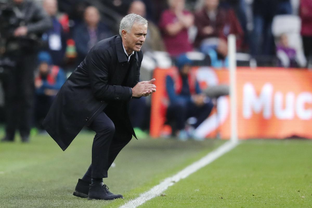 Jose Mourinho: Kẻ ái kỷ số một