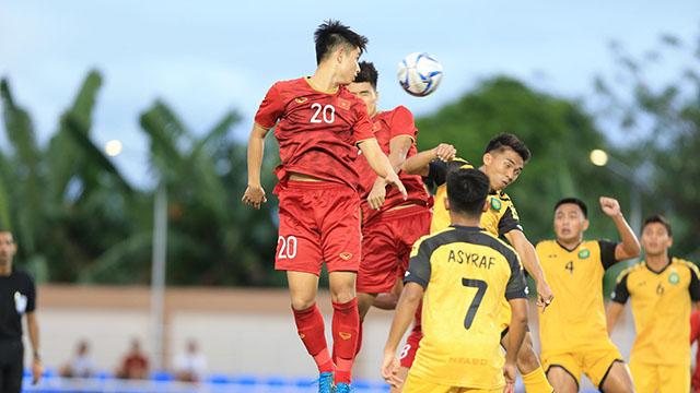 U22 Việt Nam hãm thành đối phương. Ảnh: Đức Cường