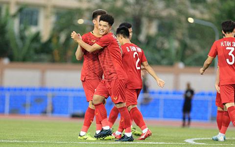 Niềm vui của Đức Chinh sau khi toả sáng mang về chiến thắng cho U22 Việt Nam - Ảnh: Đức Cường