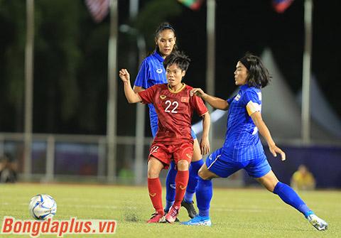 Cầu thủ nữ Việt Nam xuống sức thấy rõ do ăn thiếu chất - Ảnh: Đức Cường