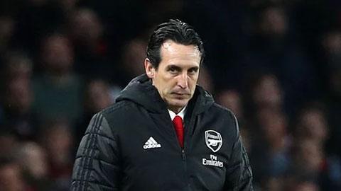 Arsenal phải đền bù bao nhiêu nếu sa thải Emery?