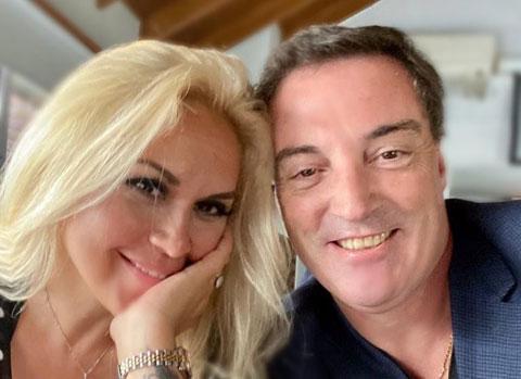 Maradona chỉ còn biết nhìn Veronica hạnh phúc bên tình mới