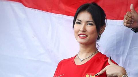 Maria Ozawa từng 2 lần cổ vũ cho ĐT Việt Nam
