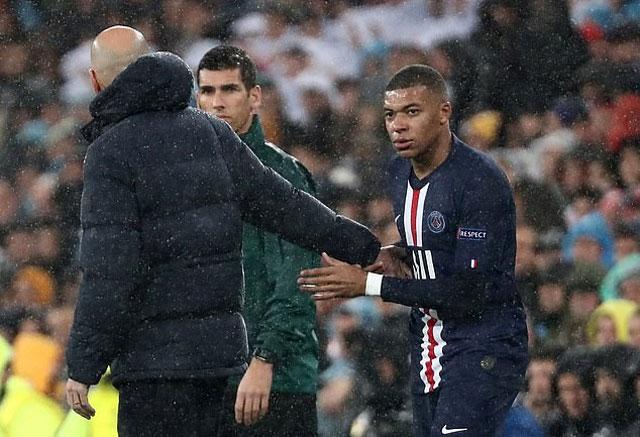 Zidane bị chế giễu tìm mọi cách tiếp cận Mbappe