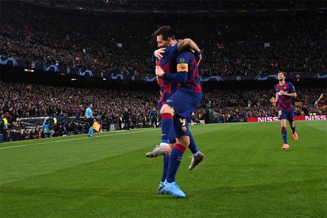 Barca rất đáng sợ trên sân nhà